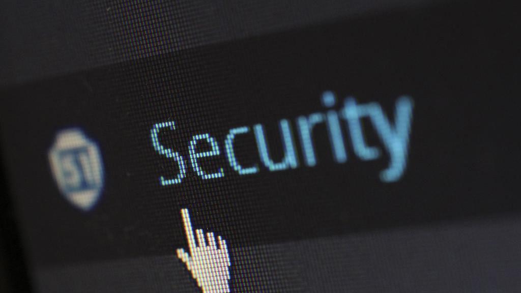 玩變老濾鏡引私隱危機? FaceApp發言人確認:使用者照片會上傳到雲端