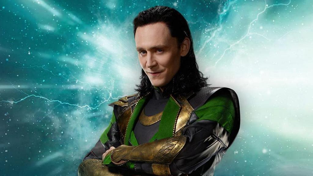 Loki不只有型有內涵!男神Tom Hiddleston被發現獨自坐地鐵好貼地