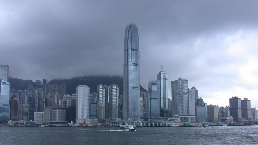 再有低壓區逐漸增強形成熱帶氣旋 天文台料週五起天氣轉差 週六狂風雷暴大驟雨
