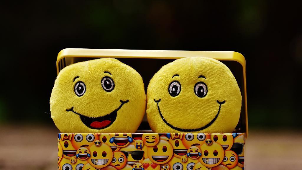 表情符號原來係神助攻!研究:使用Emoji次數與約會數字成正比
