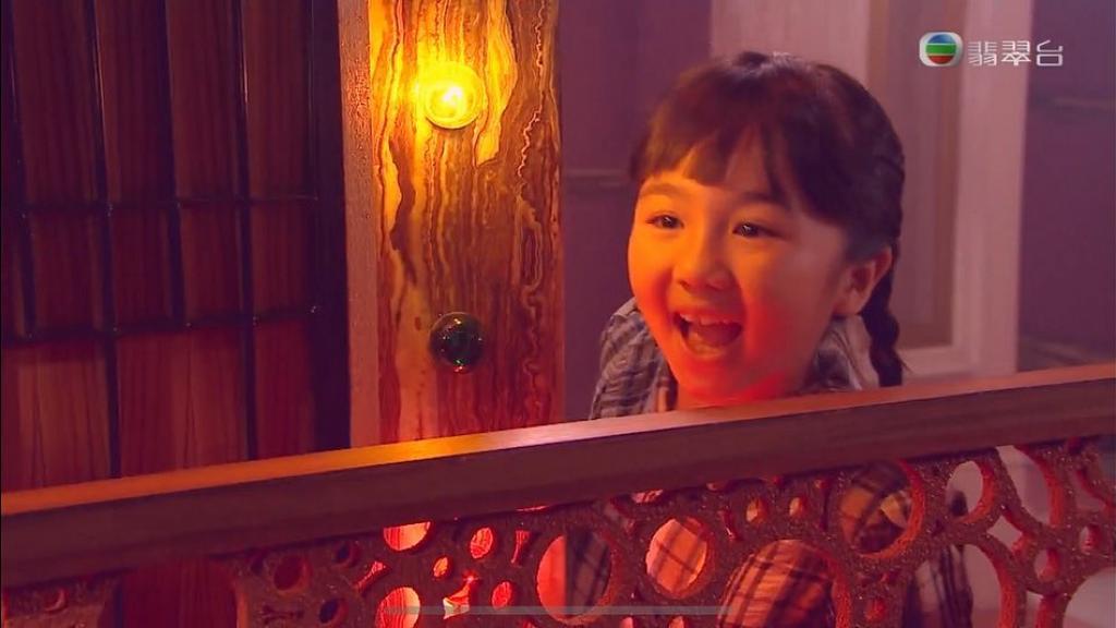 【金宵大廈】童星黃雪兒是TVB御用喊包 飾演童年康華哭戲收放自如