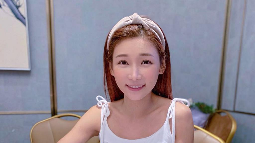 30歲簡淑兒告別嬌滴滴少女形象 用一年時間健身練出六嚿腹肌驚豔網民