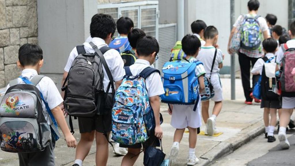 教育局宣布11月19日繼續停課 中小學及特殊學校本周三或恢復上課