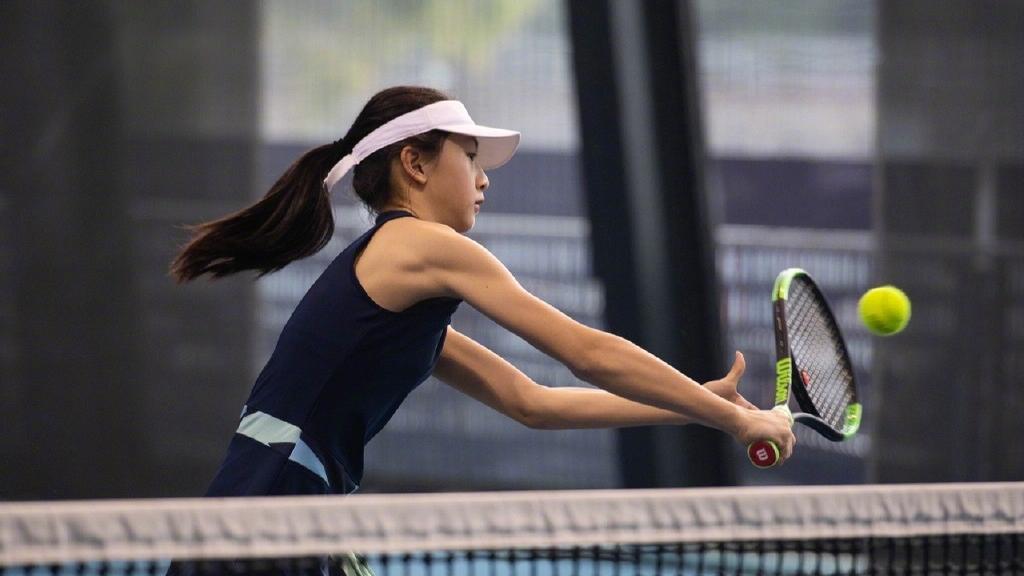 田亮女兒11歲身高已直逼170cm!網球美少女Cindy優美手臂線條成為焦點