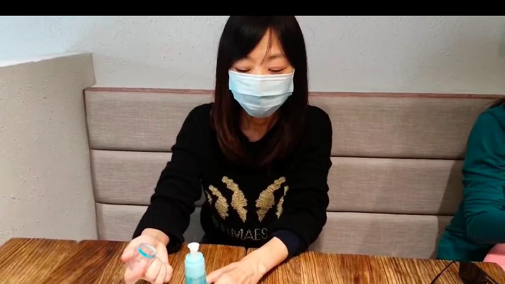 【新冠肺炎】口罩短缺慳得一個得一個!化學博士教你用2張紙巾短時間重用口罩