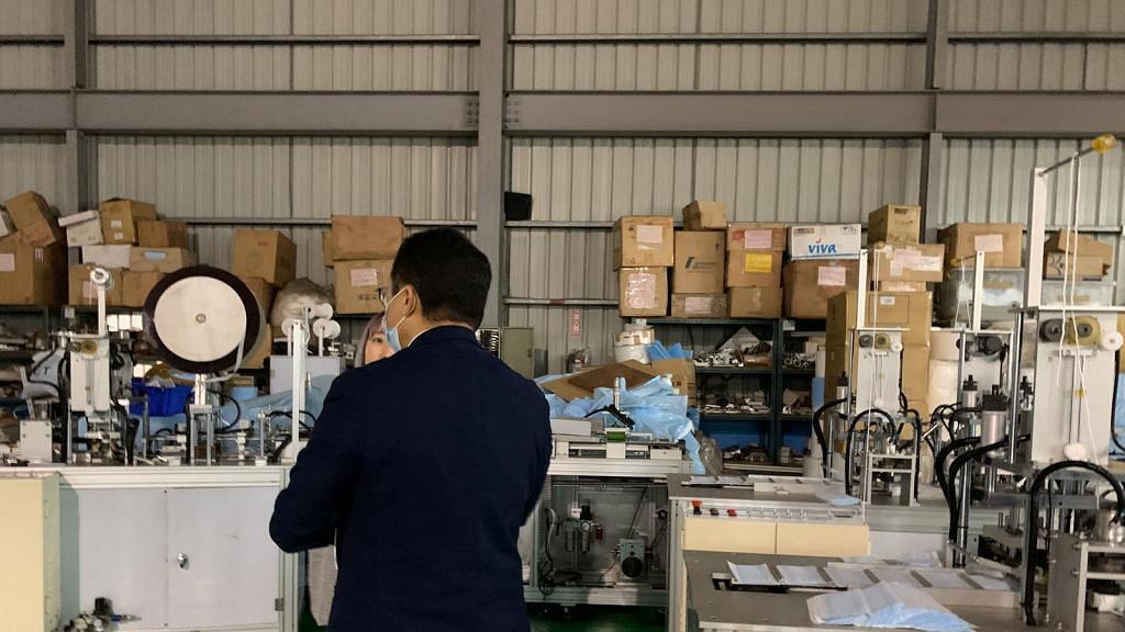 HKTVmall王維基親自飛台灣搵物料生產口罩 出雙倍價錢即時落訂望設香港生產線