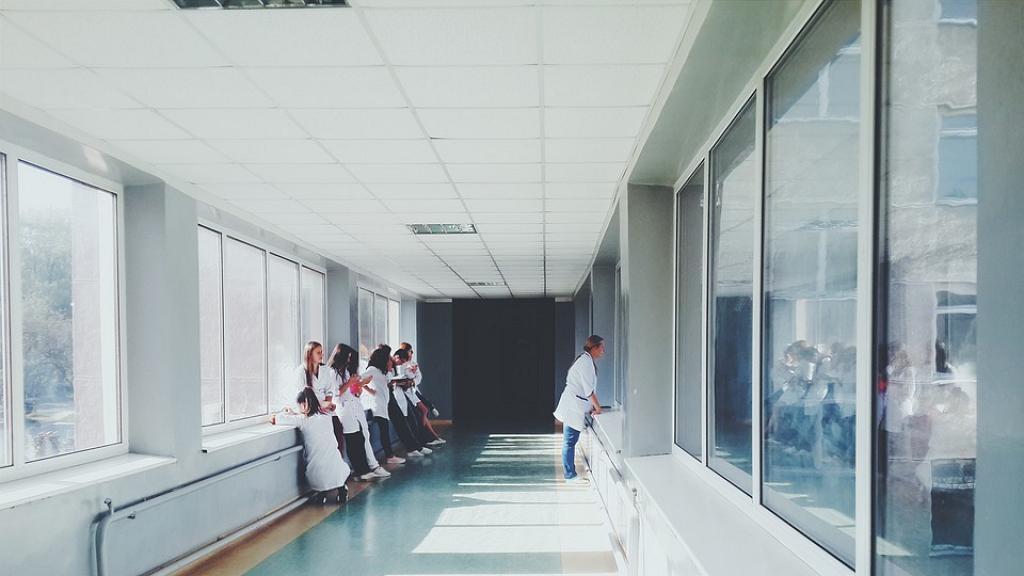 【新冠肺炎】醫護全程戴口罩 接觸患者僅6分鐘 確診「無症狀陽性感染」
