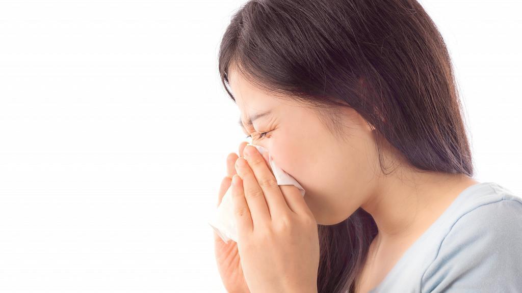 發高燒39度被醫生要求在家休息3日 女網民請病假遭上司拒絕:你自己看著辦吧