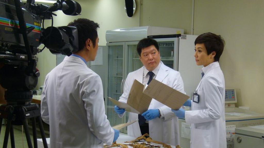 【法證先鋒IV】真正法醫有份參演做足4輯!首位華人齒科法醫參與多宗大案鑑證
