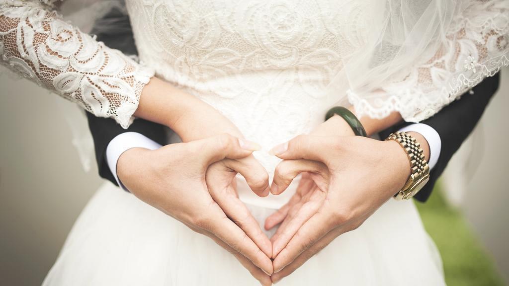 叫錯新娘名字、婚照P圖過度時有發生?網民分享五件婚禮上遇到超尷尬的事
