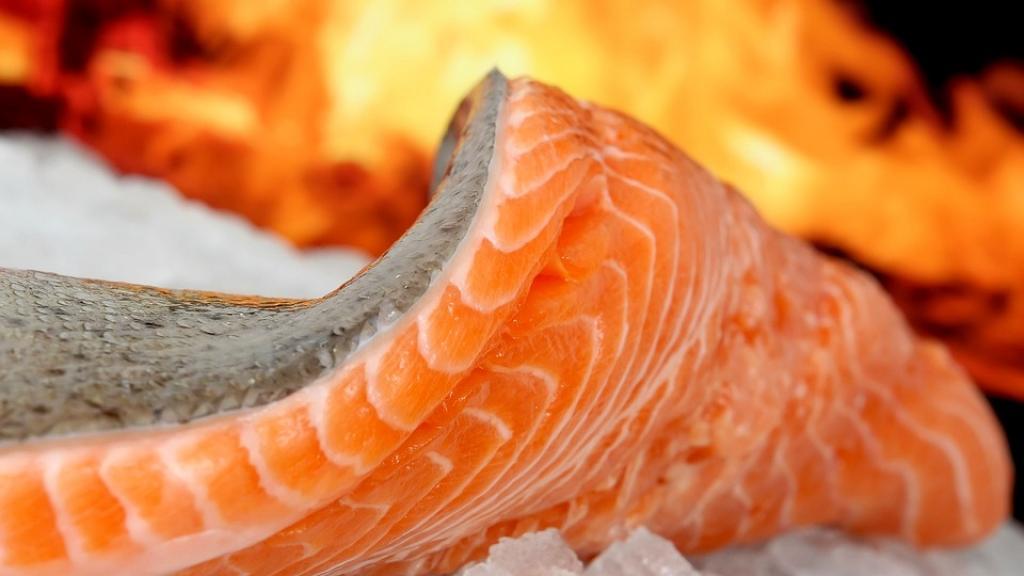 研究發現魚生內寄生線蟲40年間暴增283倍 袁國勇教授:進食三文魚刺身好似食屎
