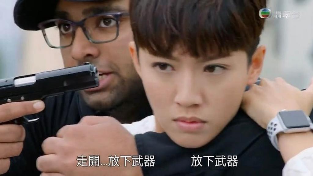 【機場特警】蔡思貝拍被脅持戲份遇氣槍走火 耳朵劇痛:半天聽覺都朦朦朧朧