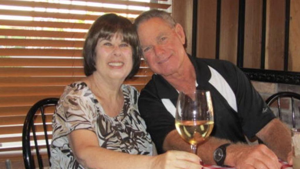 夫妻相愛51年一同感染新冠肺炎 相隔6分鐘先後離世 除下呼吸器相處最後時光