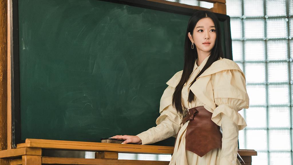 【雖然是精神病但沒關係】徐睿知小臉配長腿顯完美比例 細數6個韓國美腿女演員