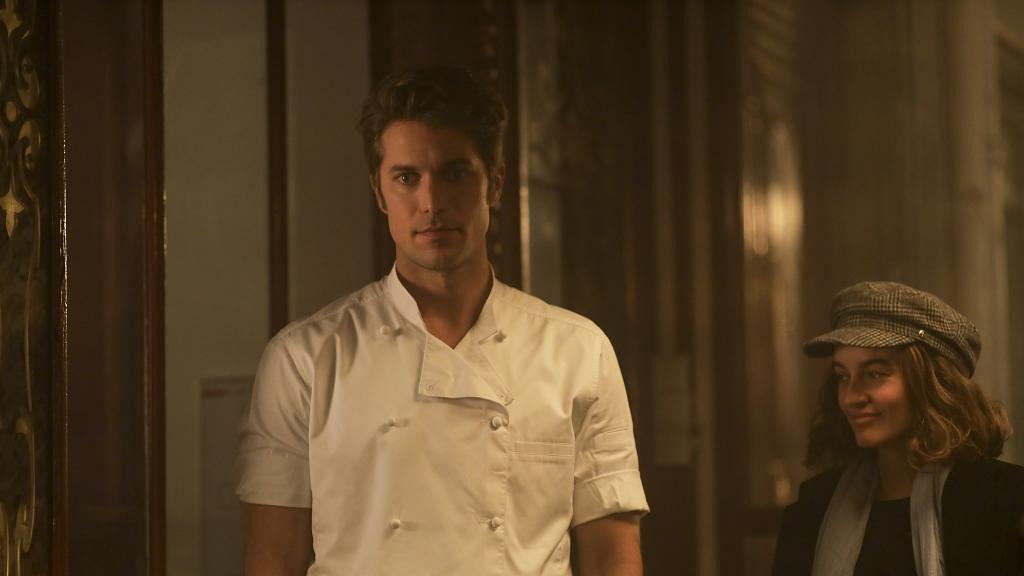 【艾蜜莉在巴黎】Emily型男大廚鄰居憑劇爆紅 6.1呎法國男星Lucas Bravo大起底