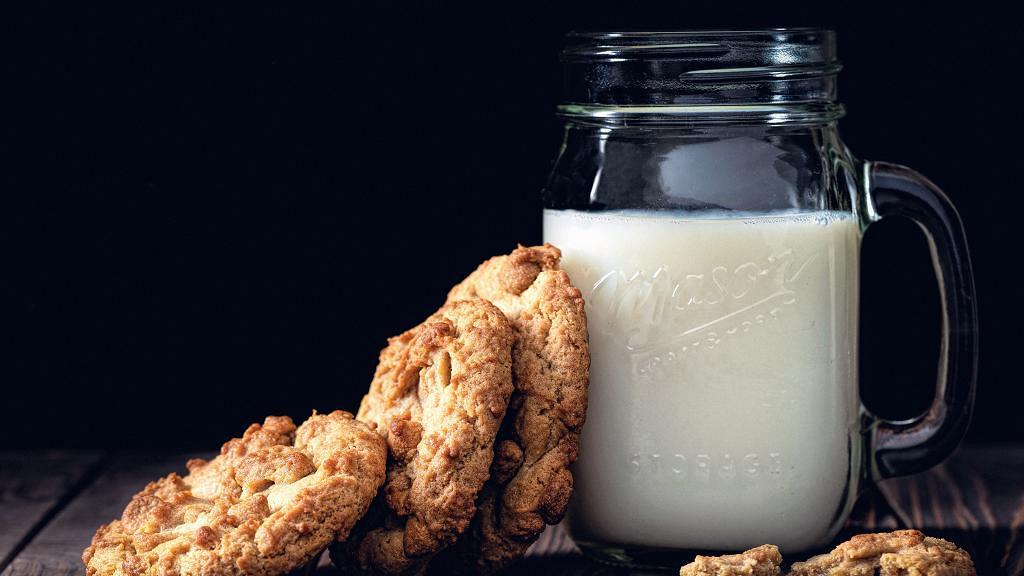 飲牛奶美白皮膚反而狂爆暗瘡!小心6款奶類飲品容易誘發暗瘡危機
