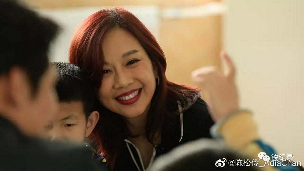49歲陳松伶素顏膚質靚但容顏不再 網民嘆變太多:臉都下垂了