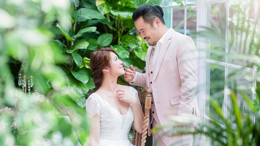 【木棘証人】韋家雄無懼忘年戀娶細20歲太太 拍拖1個月認定對方 寵愛老婆做幸福少奶奶