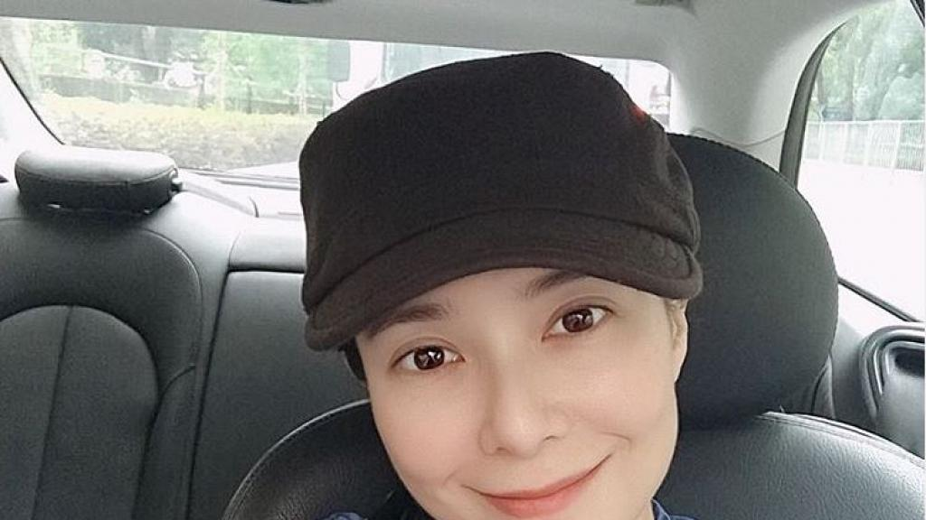 46歲郭羨妮湊女期間曬素顏自拍 淡出幕前仍保然得宜網民激讚美貌不遜當年
