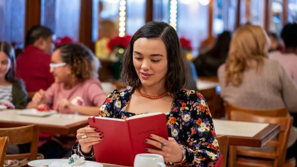【戀愛挑戰書】Netflix《Dash & Lily》聖誕浪漫短劇5大看點獲好評 陌生男女交換筆記留線索挑戰
