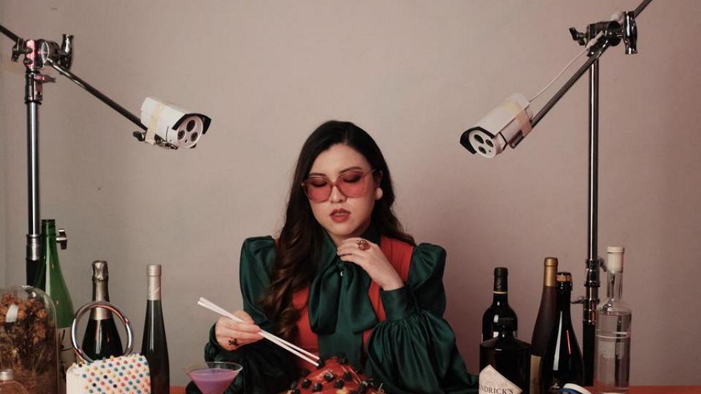 【叱咤樂壇頒獎典禮2020】獨立唱作人Serrini入圍最喜愛女歌手 港大博士生憑騎呢風格突圍而出