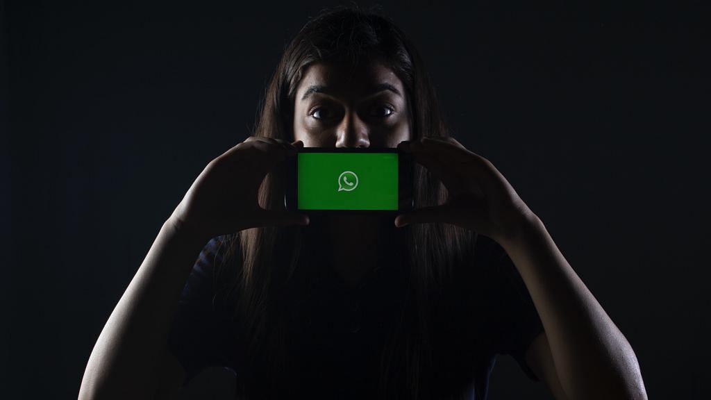 WhatsApp更新條款與 Facebook共享8大個人資料 香港私隱專員公開呼籲用戶留意