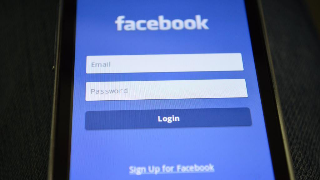 Facebook備份資料教學!轉用Mewe前要學 一鍵Backup相片、影片、訊息、對話紀錄