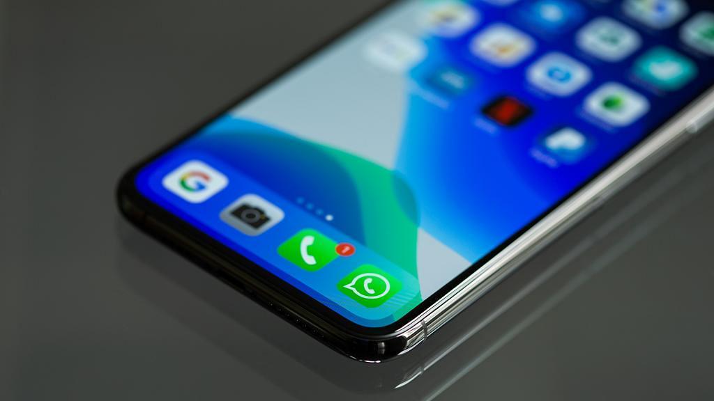 Signal下載量暴升伺服器負載死機12小時 WhatsApp趁機宣布私隱條款延至5月