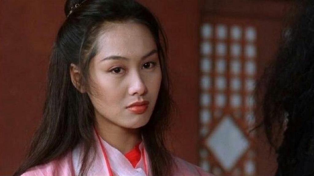 朱茵重演經典角色「紫霞仙子」靚足26年 網民:唔講認唔到係朱茵