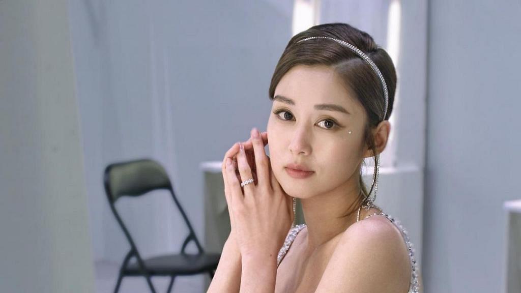36歲岑麗香近照被指眼頭詭異「對眼黐到好埋」 回顧香香華姐奪冠入行11年外貌進化史