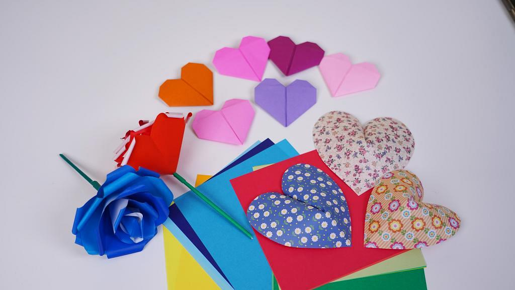 【情人節禮物2021】情人節3大簡單摺紙技巧 DIY立體心心/玫瑰花裝飾心意卡