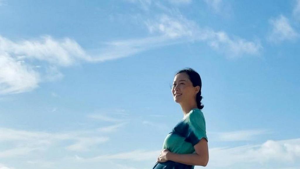 38歲陳法拉情人節IG報喜做媽媽 晒孕照甜蜜宣布B女出世:鼠年尾巴的寶寶