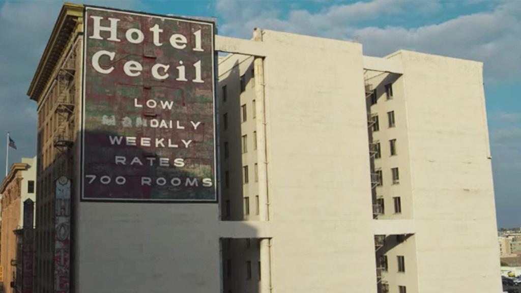 【犯罪現場:賽西爾酒店失蹤事件】藍可兒命案似《雨夜閃靈》橋段 經理揭10年死80人疑兇現身自白