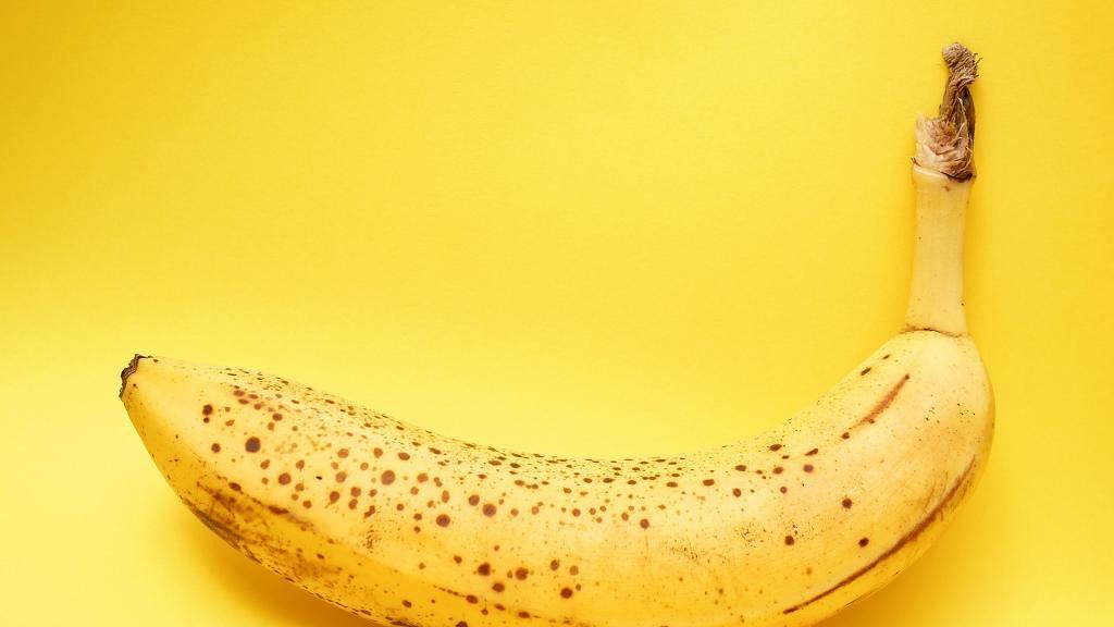 骨折女飽受便秘困擾 食蕉促進腸胃蠕動 反而食錯1種香蕉令便秘加劇