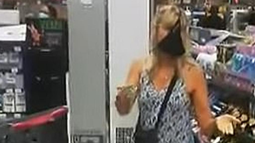 【新冠肺炎】南非女子去超市購物不滿被要求戴口罩 舉動匪夷所思當眾脫掉內褲當口罩戴