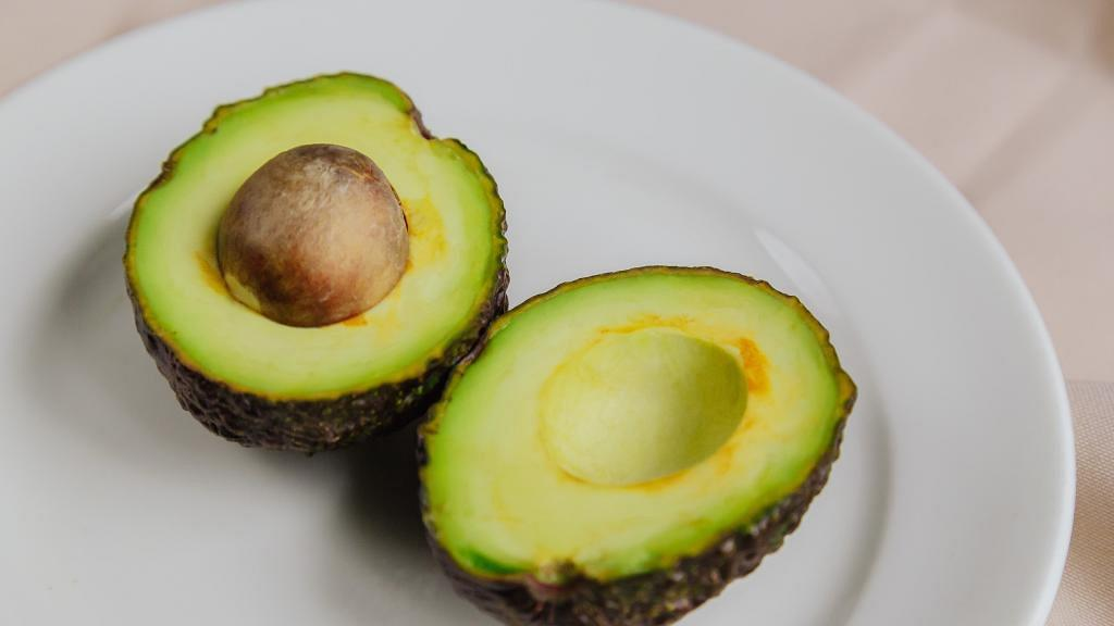 美國營養師盤點牛油果對身體健康7大好處 預防癌症/抗氧化/降低膽固醇/減肥