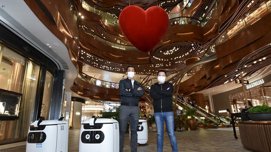 投資研發K11專屬多功能機械人 新世界行政總裁鄭志剛:協助香港初創打入國際市場