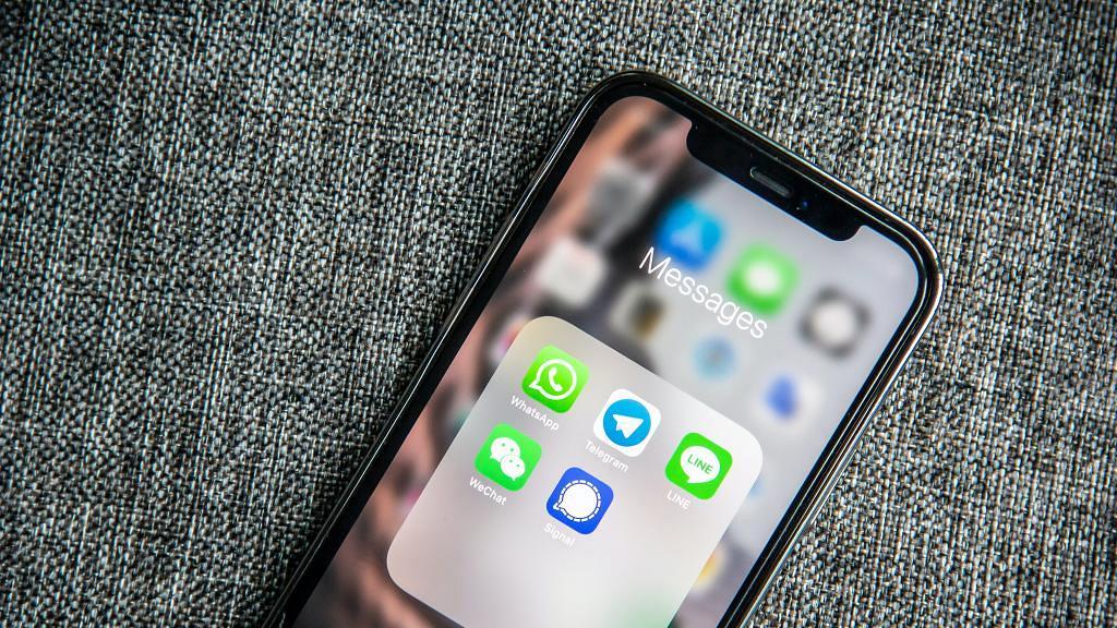 【WhatsApp教學】即將推出3大新功能!聊天備份加密、語音播放速度設定、相片閱後即焚