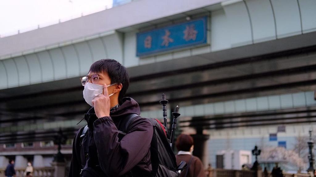 吳業坤用足18日由京都徒步到東京 行到眼鏡白襪都爛埋 網民被治癒:睇你行完好感動