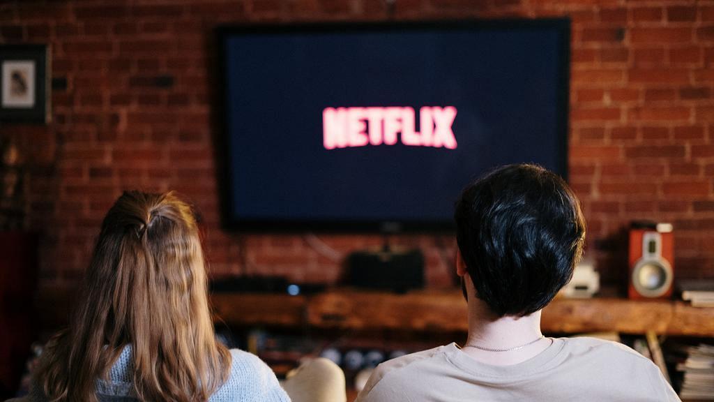 【Netflix技巧】10大最新實用Netflix功能教學 下載海報做Wallpaper/自動下載集數/煲劇慳數據