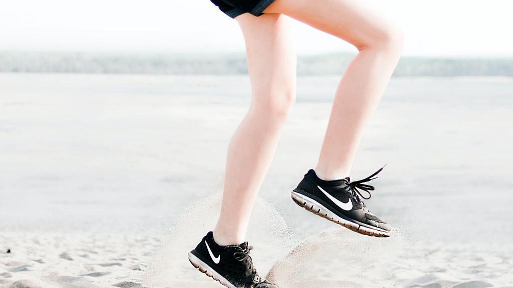 【減肥】韓國普拉提教練示範3分鐘爆汗瘦腿運動 修靚腿部線條迎接夏天