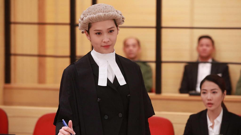 【逆天奇案】35歲蔣祖曼超短髮演Law界女神霸氣登場  現實中21歲已愛屋及烏視繼子如己出