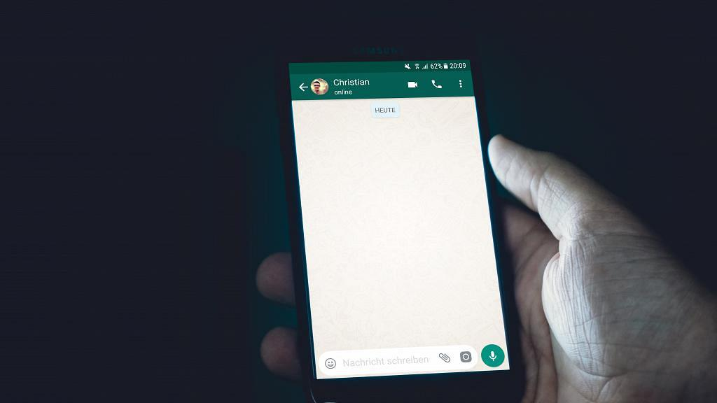 【WhatsApp】私隱條款5月15日生效 一文學識備份+轉移對話紀錄/註銷帳號教學/Sticker搬過Signal