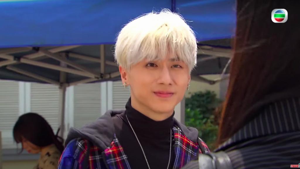 【開心速遞】TVB被指再影射ViuTV姜濤 27歲藝員丘梓謙《愛回家》演年輕偶像「蔥頭」