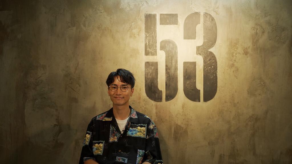 【明星在線】陳柏宇推新專輯《53FPS》特設丁方體驗房 帶你走進《純白》中的混沌世界