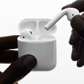 【蘋果發布會2019】Apple AirPods 2發布無驚喜 網民失望:說好的黑色款呢?