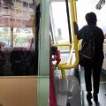 男子胖虎上身在車廂放聲高歌!魔音嚇親巴士乘客 全體轉車「避難」
