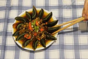 15分鐘完成!簡單自製川式小食「尖椒皮蛋」