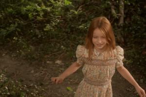 《看不見的情人》一出生就是「透明」 隱形人與失明女孩的愛情