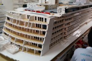 刷新健力士世界紀錄!港人砌出全球最大LEGO郵輪
